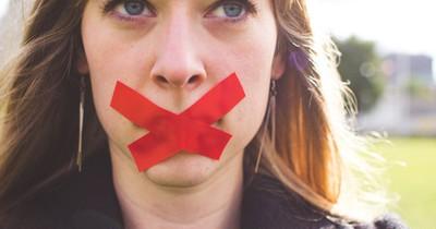 Diese 6 Geheimnisse haben Frauen in Beziehungen
