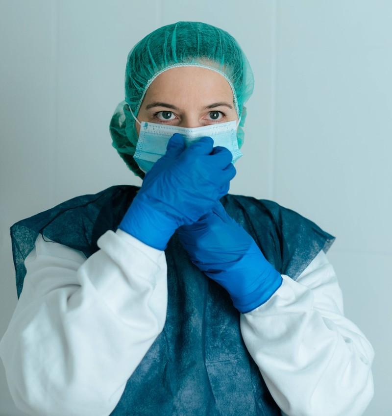 Auch der Job der Krankenschwester ist laut Wirtschaftswoche ein heikler Beruf für eine längere Beziehung.