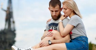 Was sagt die Kuschelposition über eure Beziehung aus?