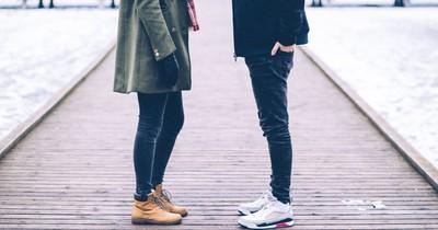 10 Anzeichen, die dir zeigen, dass er neben dir noch eine andere Frau datet