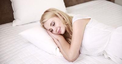 Gemeinsam Einschlafen: 6 Dinge, die jede Frau nerven