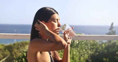 So viel Wasser musst du trinken, um Gewicht zu verlieren: