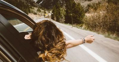 Dinge, die jede Frau im Auto haben sollte