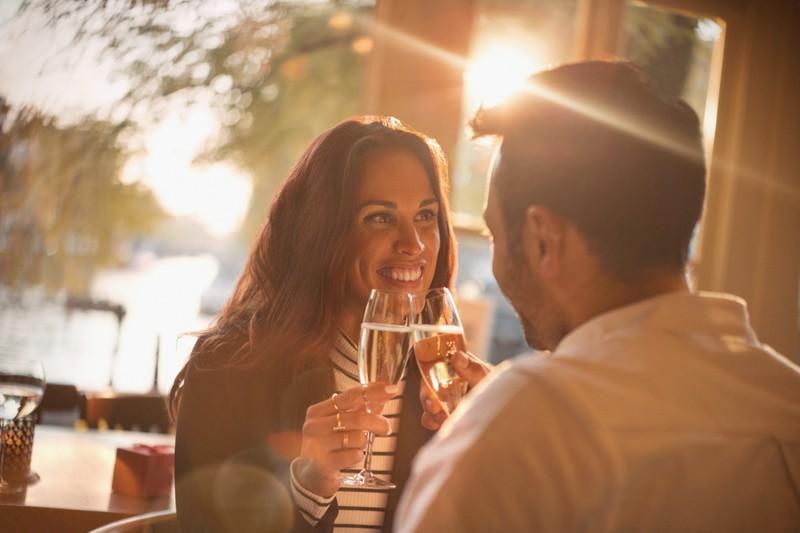 9 Tricks: So wirst du vor dem 1. Date nicht nervös