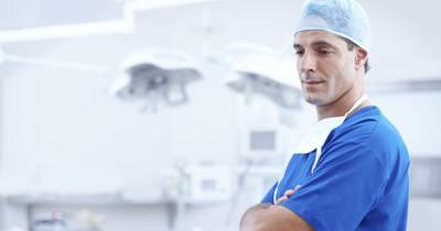 8 Dinge, die du nie beim Frauenarzt machen solltest