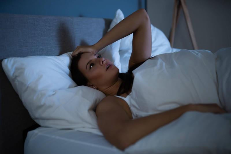 Daran erkennst du, dass dein Schlaf nicht gut ist