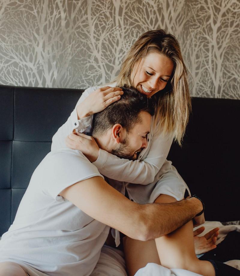 Viele Frauen lassen für ihren Mann alles stehen und liegen.