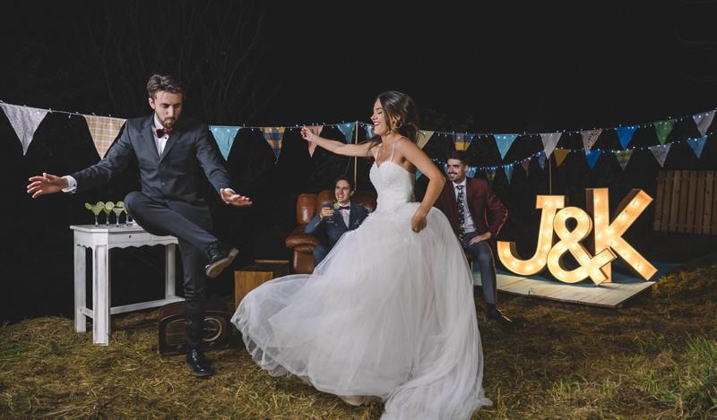 Wenn Hochzeitsgäste die Feier zu früh verlassen, entspricht das nicht der Etiquette.