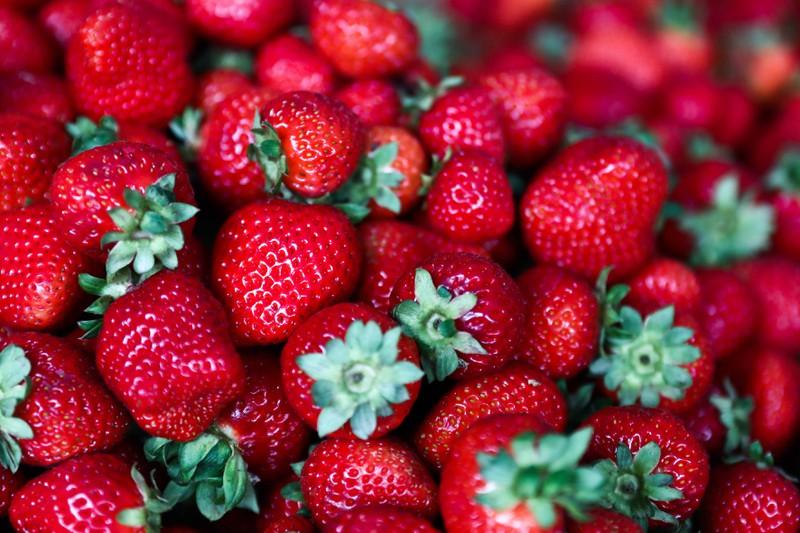 Erdbeeren haben einen sehr hohen Vitamin-C-Gehalt.