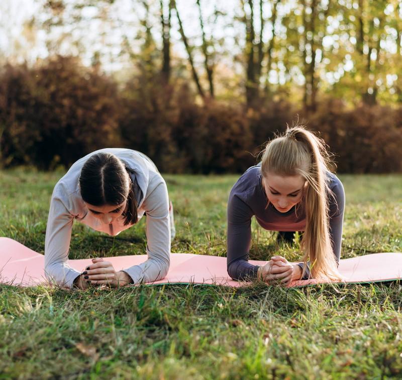 Die Haltung kann durch das Planken verbessert werden.