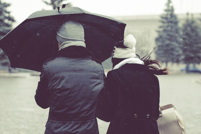 6 Dinge, mit denen du deinen Partner auch ganz ohne Worte verletzt