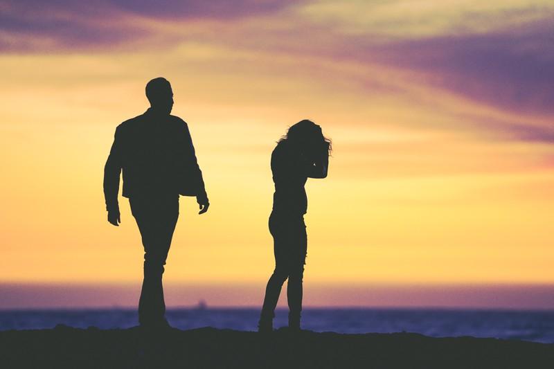 Manche Paare versuchen durch Romantik die Krise in Phase 10 zu überstehen, ob ihre Liebe und ihre Beziehung das aushält?