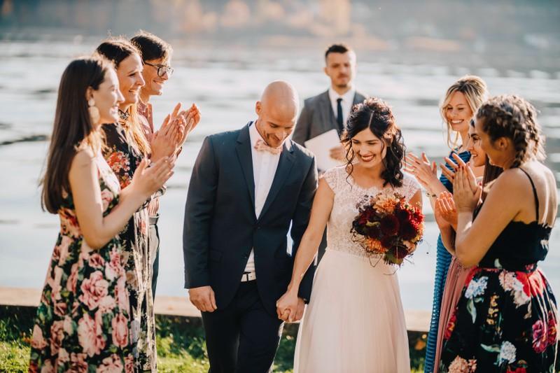Auf welche Benimmregeln sollte man als Hochzeitsgast achten?