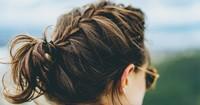 Ungewaschene Haare: So fällt es nicht auf