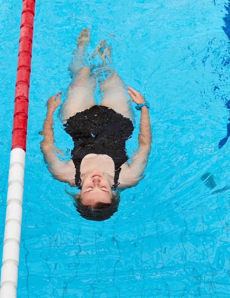 Schwimmen ist ein Workout und man verbrennt viele Kalorien
