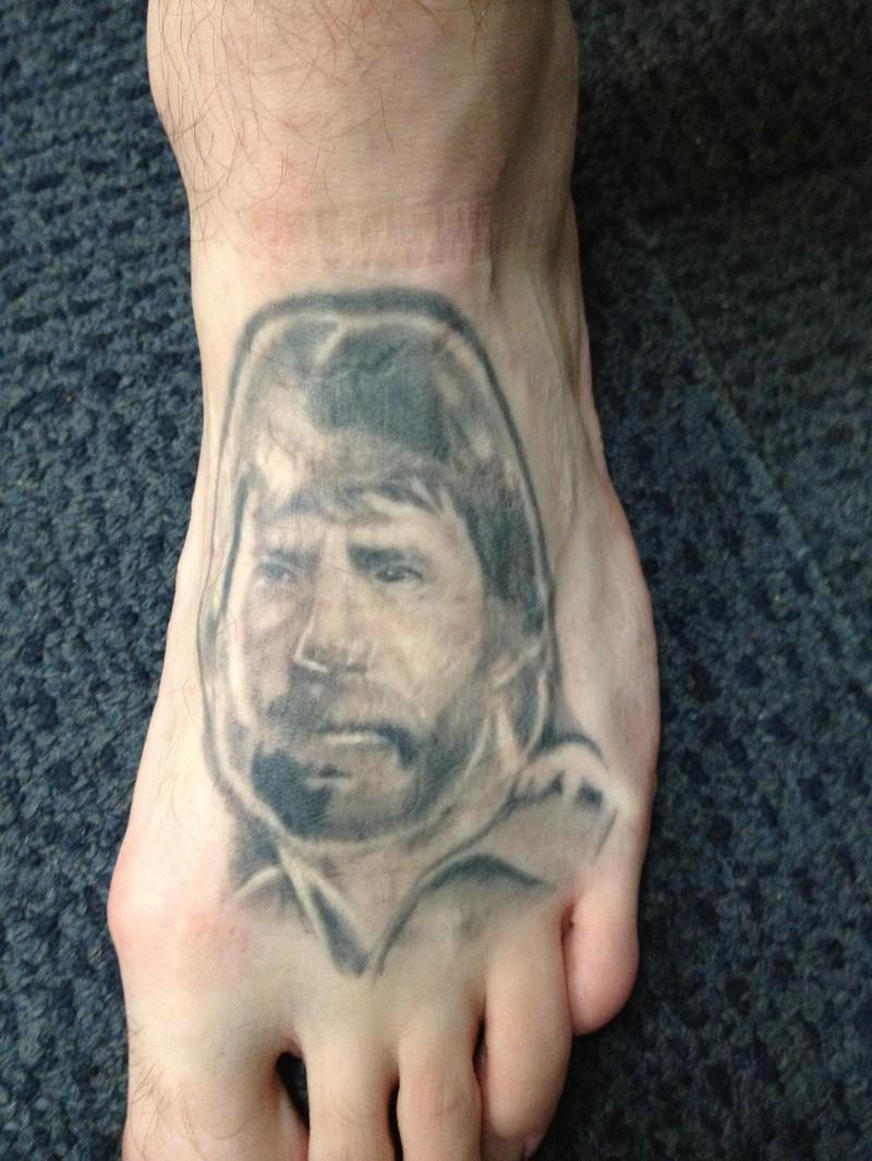 Tätowierer mögen keine Tattoos mit Menschengesichtern