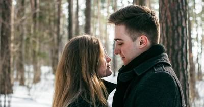 Curving: 6 Anzeichen, dass ein Typ dich nur warmhält