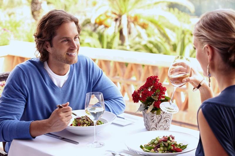 Der größte Liebesbeweis ist es, wenn Männer ihr Essen teilen.