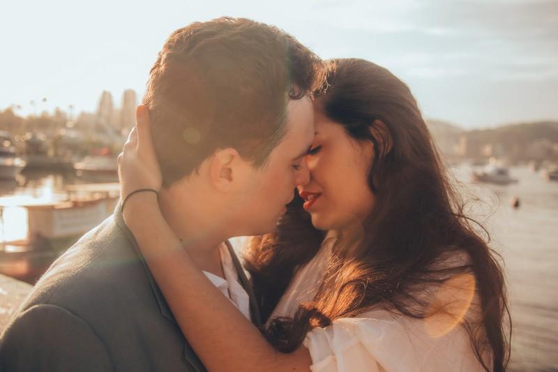 10 Nachrichten, mit denen er sich noch mehr in dich verliebt