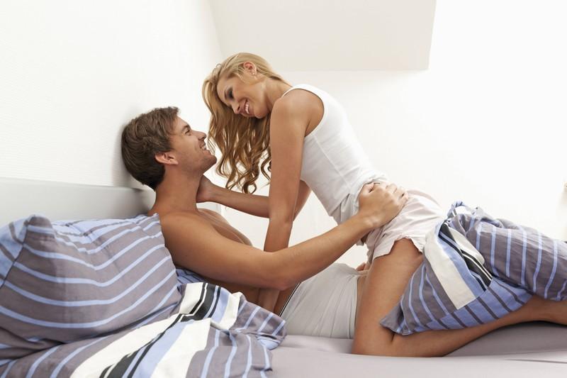 Regelmäßiger Geschlechtsverkehr mit dem gleichen Partner hält deinen Intimbereich gesund.
