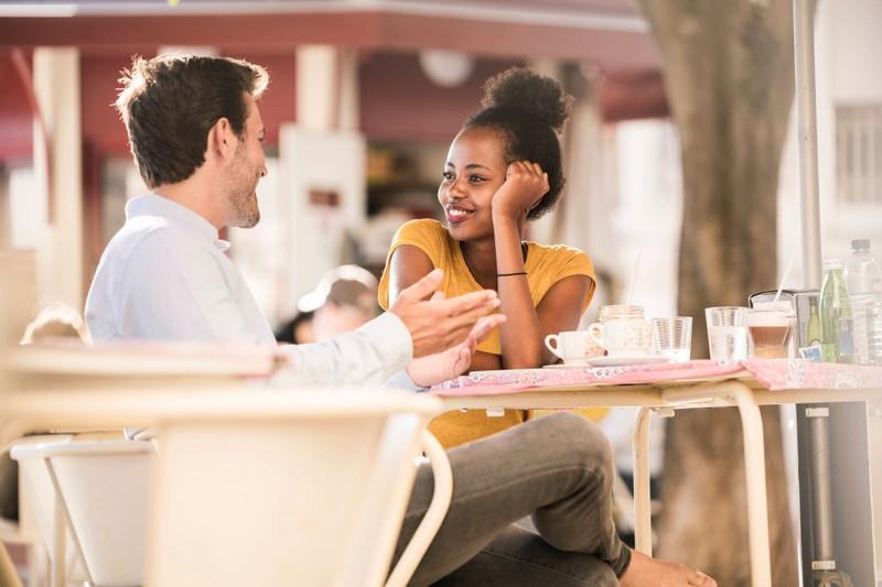Optisch schöne Frauen haben oft viele Dates und dabei vergeht ihnen auch mal die Lust aufs Dating.