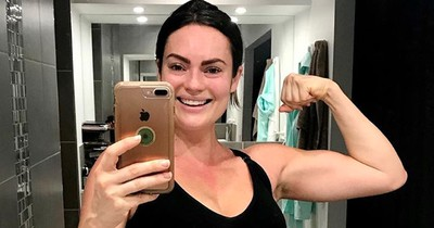 Fitness-Bloggerin zeigt, wie ein Bauch nach der Geburt wirklich aussieht