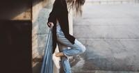 So kaschierst du deine Problemzonen ganz einfach mit deiner Jeans