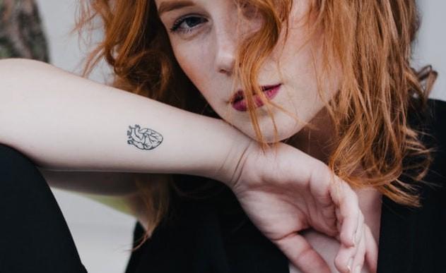 Ein anatomisch korrektes Herz-Tattoo
