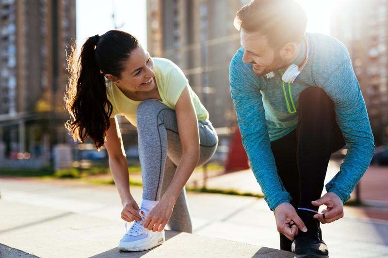 Paar joggt zusammen