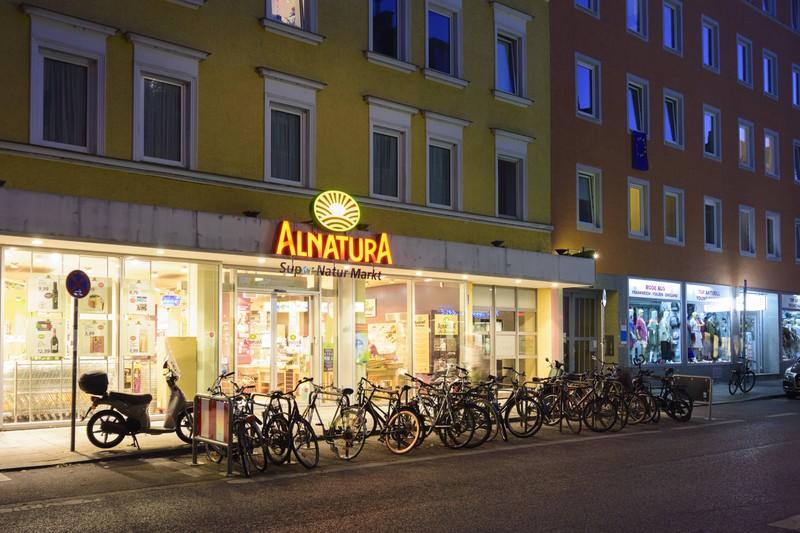 Eine eigene Alnatura-Filiale, die es seit dem Dm-Streit in Deutschland gibt.