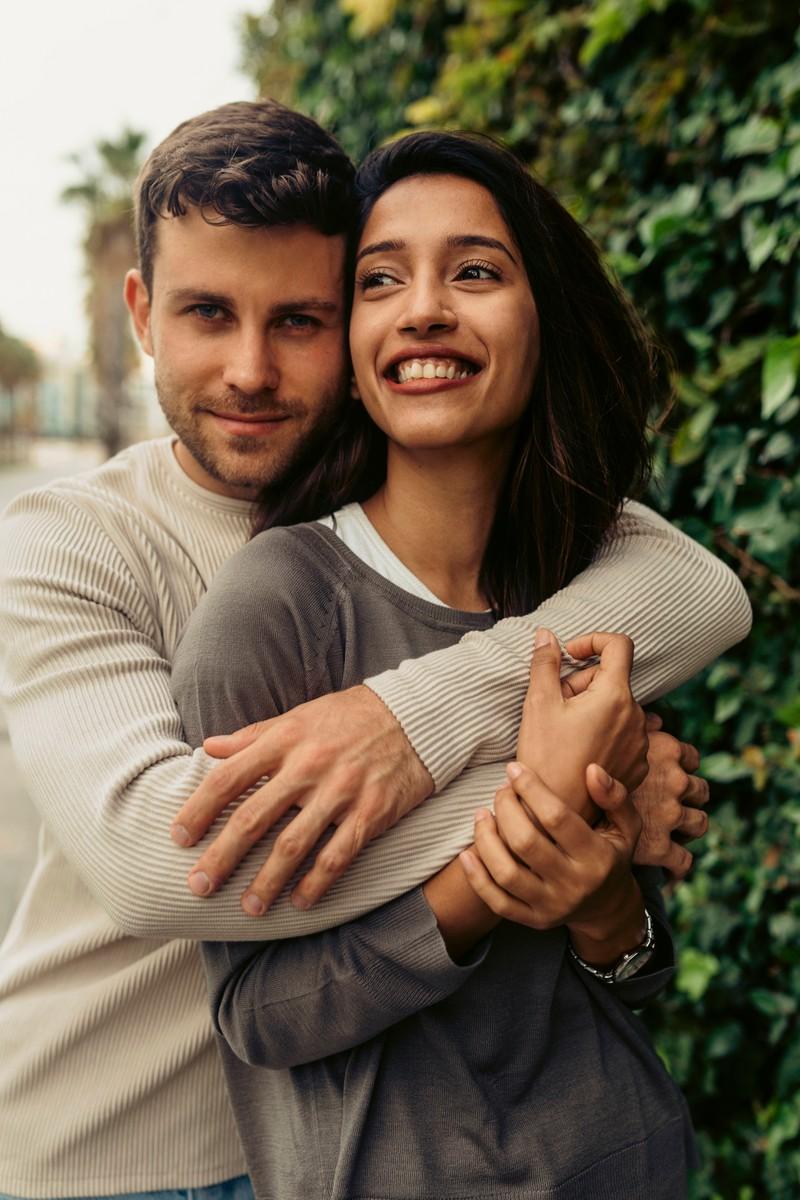 Frauen und Männer haben oft unterschiedliche Zeitpunkte und Phasen, an bzw. in denen sie sich verlieben.