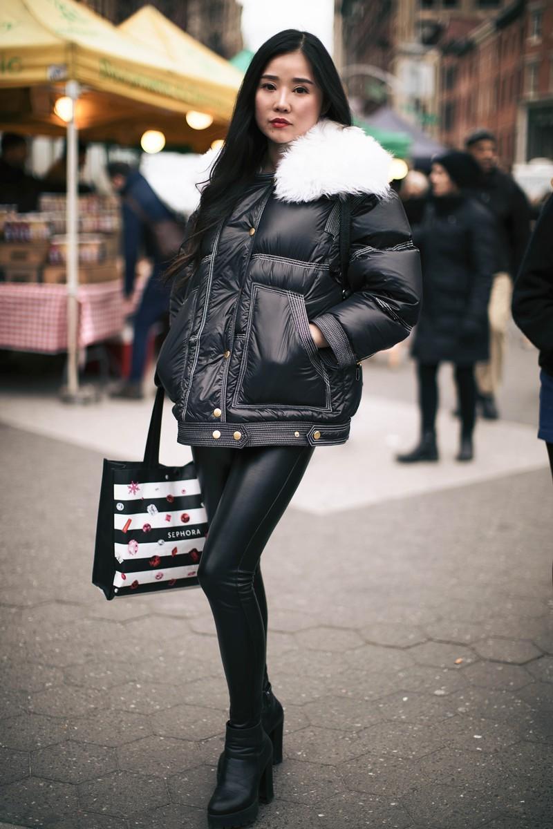 Frau in mit Leggings Style