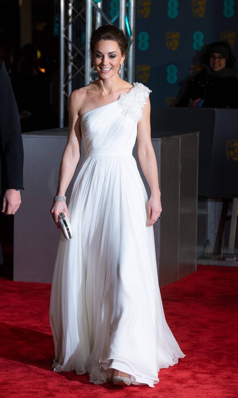 Herzogin Catherin ist die Style-Queen auf den EE British Academy Film Awards 2019