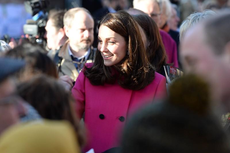 Kate bei einem Besuch der Coventry Cathedral, 2018, in einem bekannten Kleid
