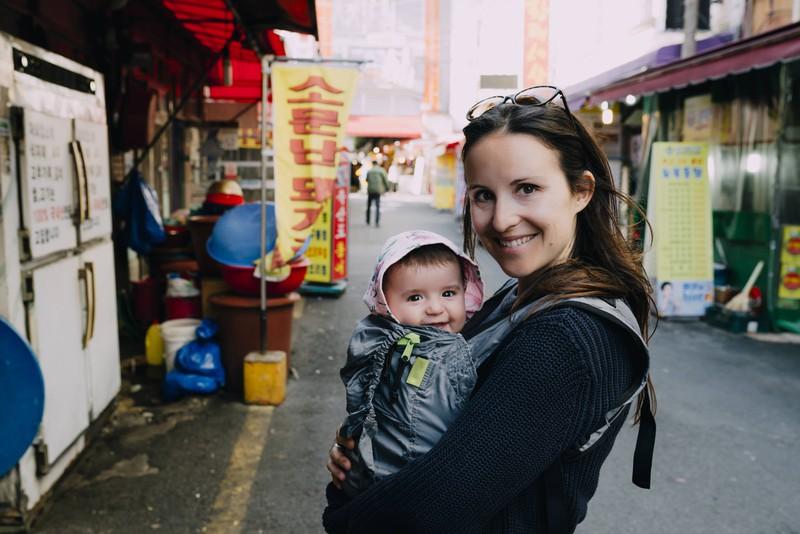 Wenn du dir eine Babytrage kaufst, solltest du dir sorgfältig die Gebrauchsanweisung durchlesen.