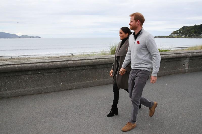 Prinz Harry kann nach seinem Rücktritt auch wieder vermehrt die Freizeitkleidung tragen, auf die er Lust hat