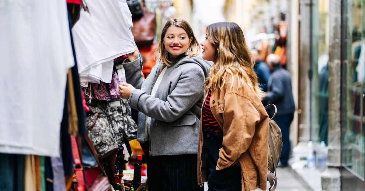 9 Outfits, die dich leider dicker wirken lassen