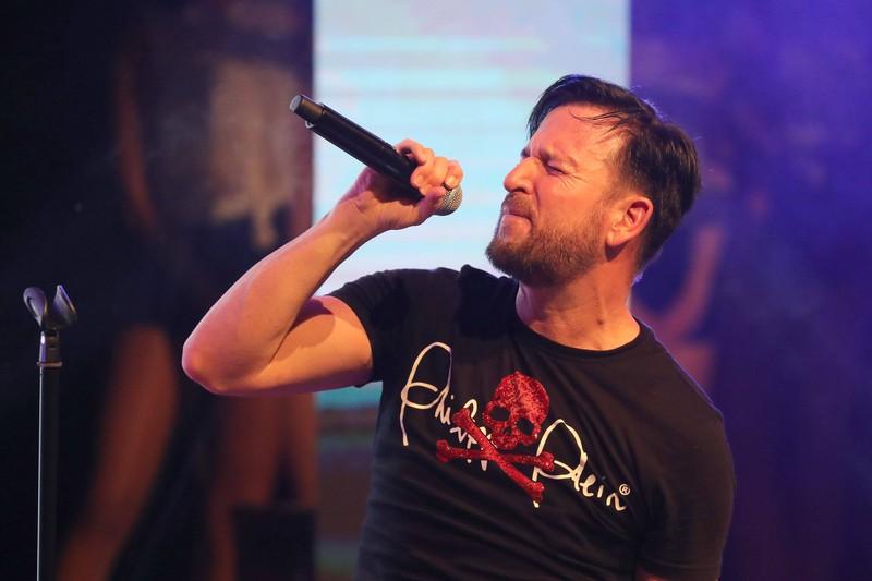 Eigentlich ist Michael Wendler nicht nur Sänger, sondern auch Songschreiber.