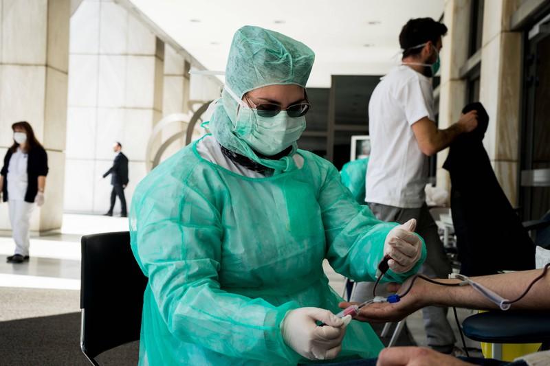 Auch für Krankenschwestern ist es nicht immer leicht, das Leben von Menschen zu retten.