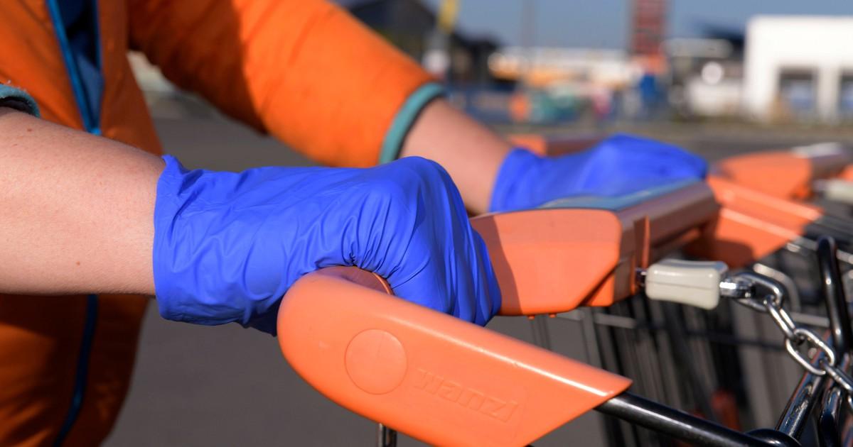 Ein Arzt warnt: Verbreiten Gummihandschuhe Viren noch schneller?