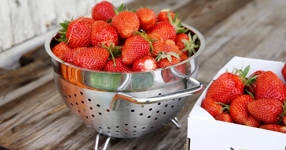 Erdbeeren In Salzwasser Waschen