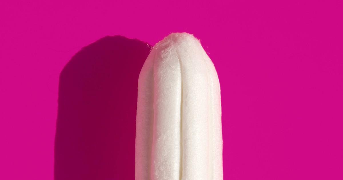 Frau schickt Freund zum Tampons kaufen - seine Frage belustigt alle