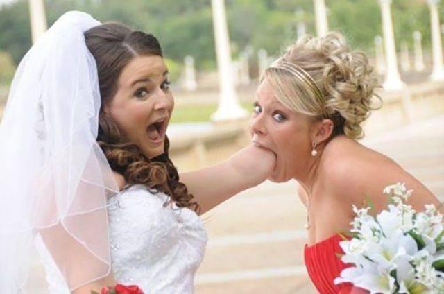 Das ist für die Braut ein bisschen weniger peinlich als für die Freundin.