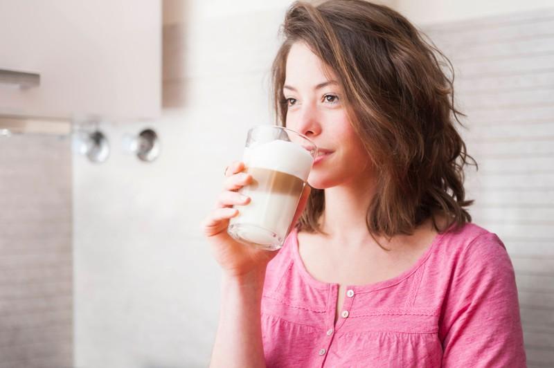 Kalte Kaffeegetränke sind im Sommer eine Verlockung.