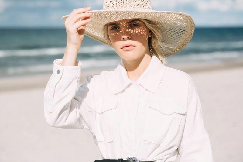 Sonnenhüte können deine Hopfhaut und deine Haare vor zu hoher Sonneneinstrahlung schützen.