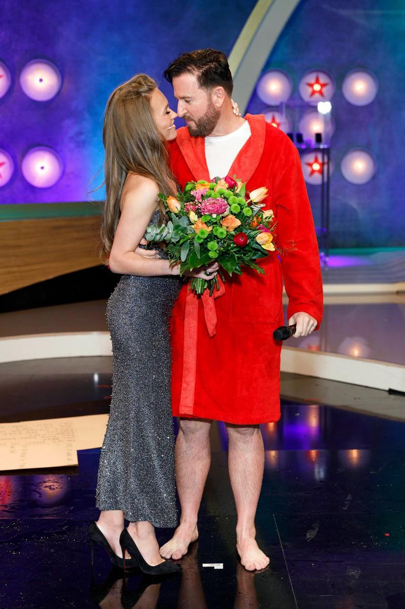 Laura Müller mit ihrem Ehemann dem Wendler. Sie heißt nun doch nicht mehr Norberg weil sie öffentlich mit Müller angesprochen werden will