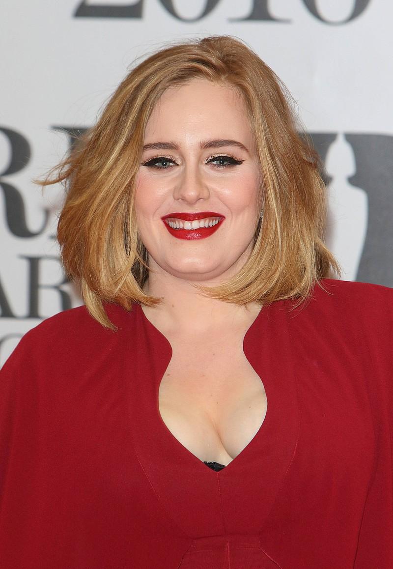 Adele trägt nicht immer starkes Make-up, wie sie auf einem neuen Post beweist!