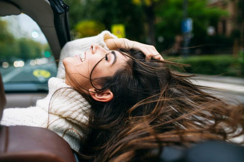 Wir alle lieben es morgens, wenn unser Styling und unsere Frisuren nur ein paar Minuten brauchen.