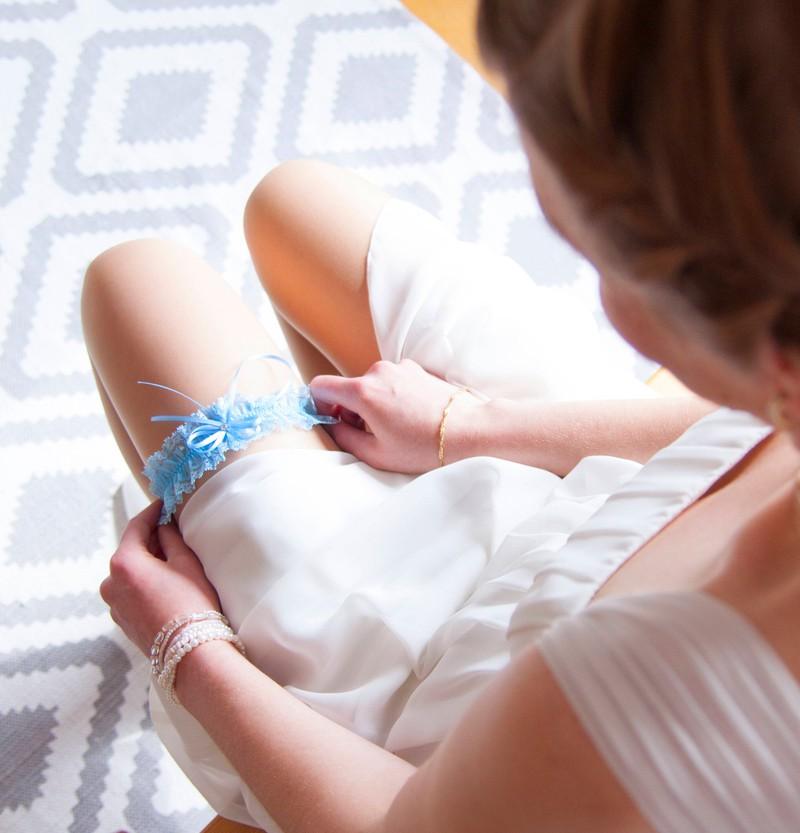Etwas Altes, etwas Neues, etwas Geborgtes, etwas Blaues gehört zur Hochzeitstradition dazu.