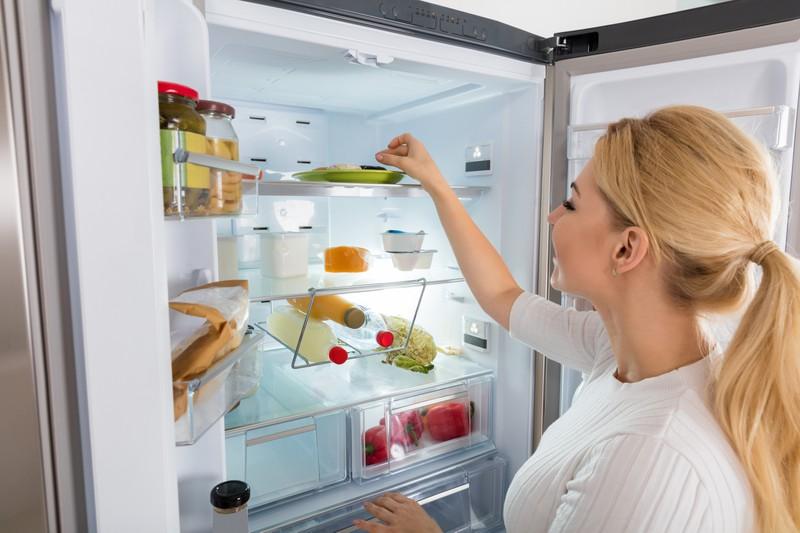 Auch im Kühlschrank ist Sauberkeit wichtig.
